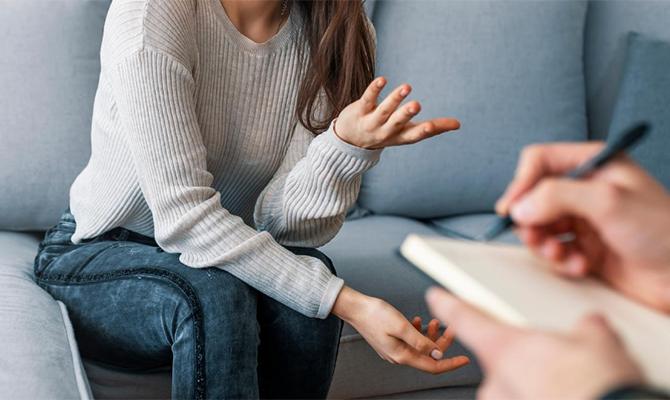 Φόβος Απόρριψης: Πώς Μπορεί να Βοηθήσει η Κλινική Ύπνωση;